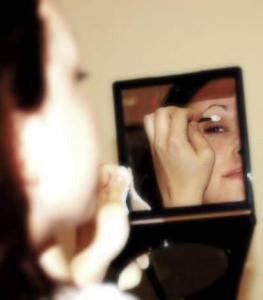 makeupCompactCase-380x432